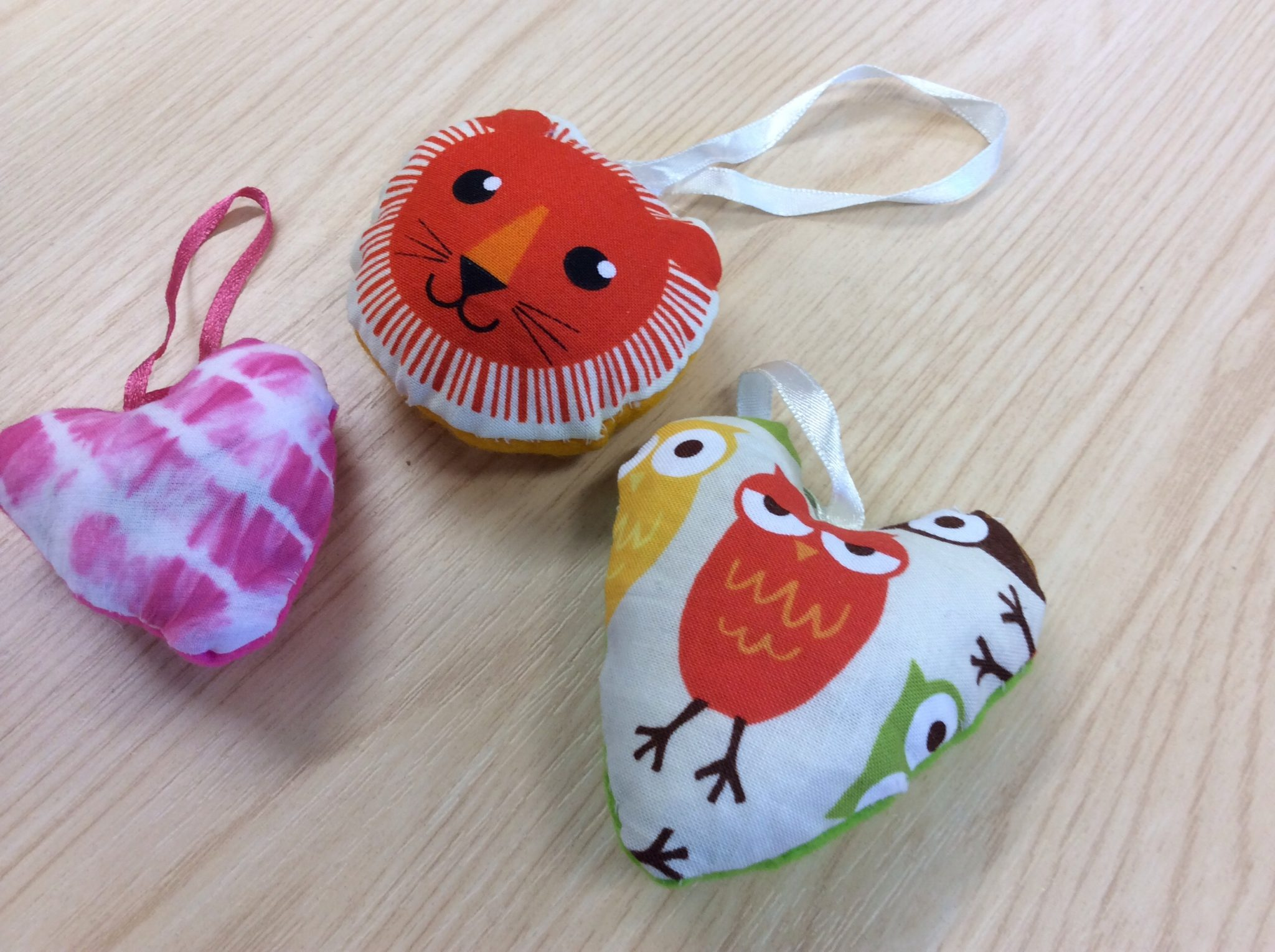 Spring – daffodils and making cotton hearts lavender bags